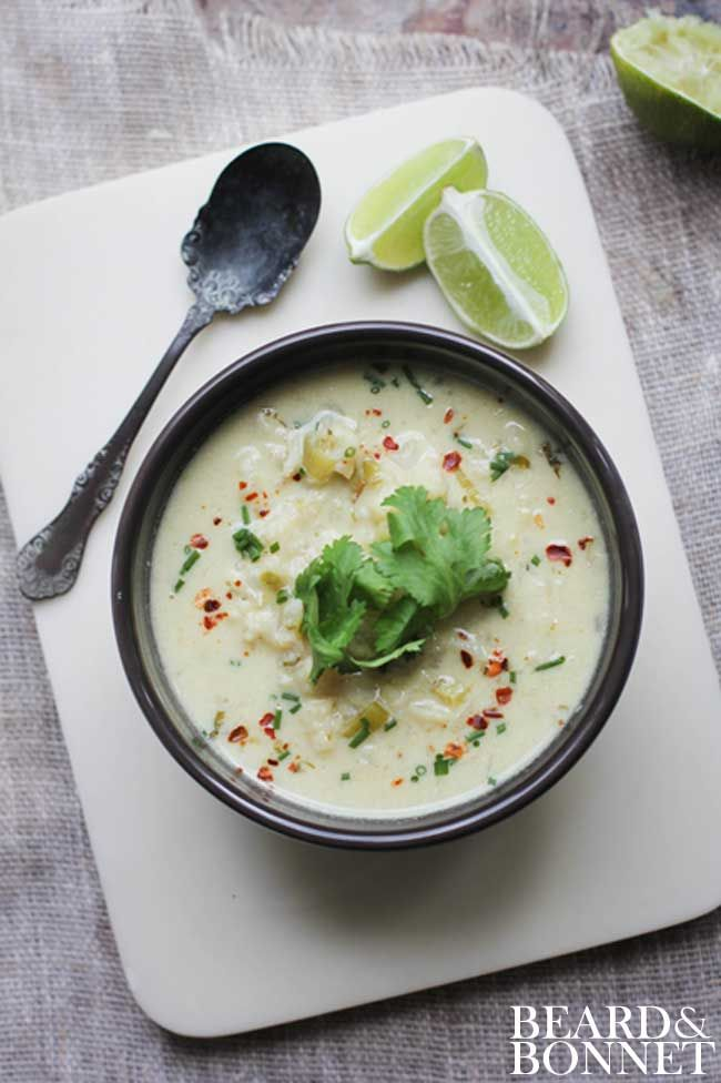 Green Curry Soup with Cauliflower and Leeks via @Beard + Bonnet by UNION18 #cleaneating #glutenfree #vegan