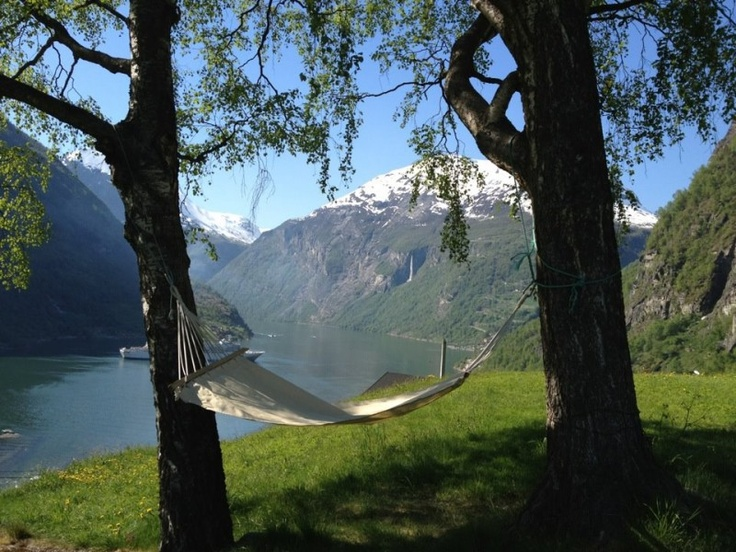 Hammock.....anytime!Mountain, God, Favorite Places, Geiranger Norway, Hammocks, Beautiful Places, Social Bookmarks, Bookmarks Pictures, Dreams Life