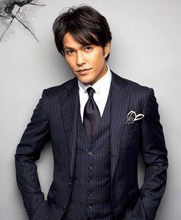 【画像】スーツが似合う男性