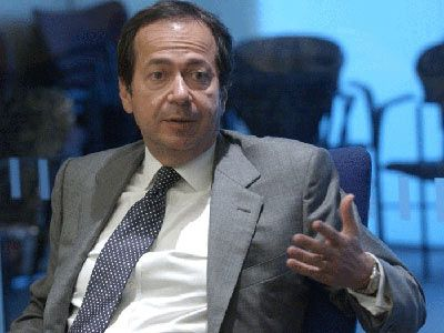 John Alfred Paulson, American Hedge fund manager. Famed for short selling subprime mortgages in 2007 and earning 3.7 billion that year. #usa #subprime #crisis #billionaire