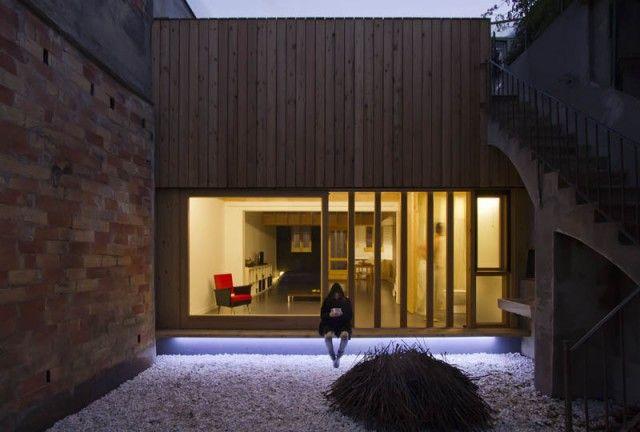 Calderon-Folch-Sarsanedas Arquitecte - Casa Eficiente MZ - Photo: P. Viladoms (exterior) and R. Díaz Wichmann (interior)
