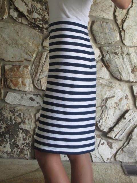 DIY skirt - 1/2 yard of fabric, 30-40 minutes : )
