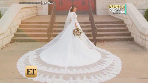 Inside Jinger and Jeremy's Woodland wedding. Source: https://www.google.com/amp/s/amp.etonline.com/news/202815_exclusive_inside_jinger_duggar_woodland_themed_wedding_and_first_kiss/ampdoc.html?client=safari