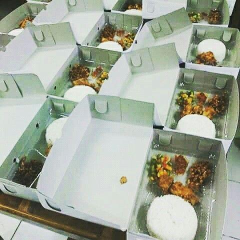 Nasi kotak hrg mulai 15 rbu