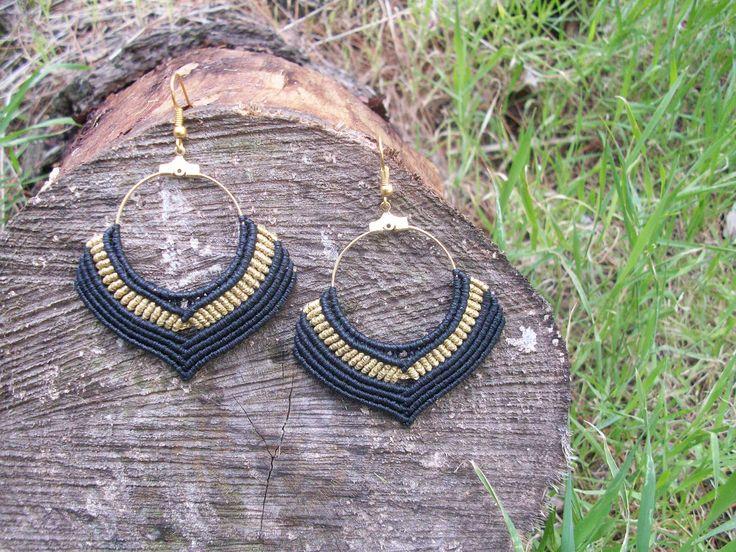 Macrame gipsy earrings, black 'n' gold, boho hoops!