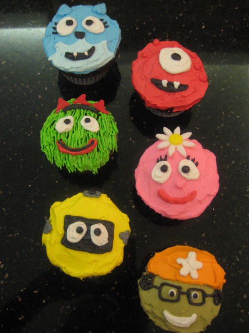 yo gabba gabba cupcakes  Might need this inspiration...new order comin in
