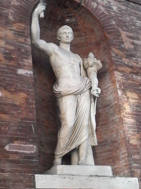 Senex Romano Piaza Palazzo Quirinale Roma