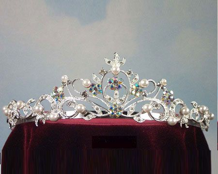 Another tiara......because absolutely every girl should have one!  ;)