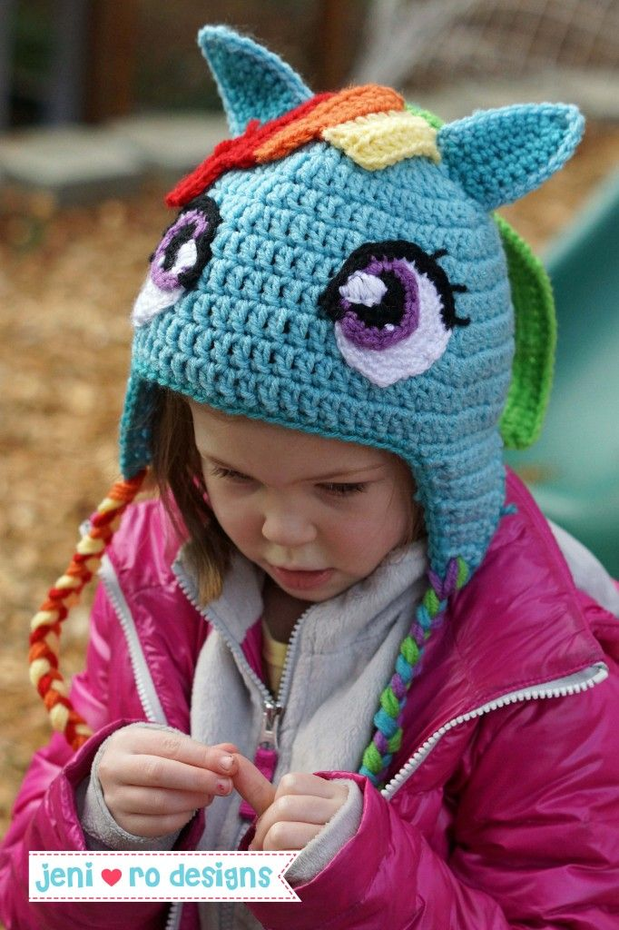 Finally a Rainbow Dash hat pattern you don't have to jump through hoops for.