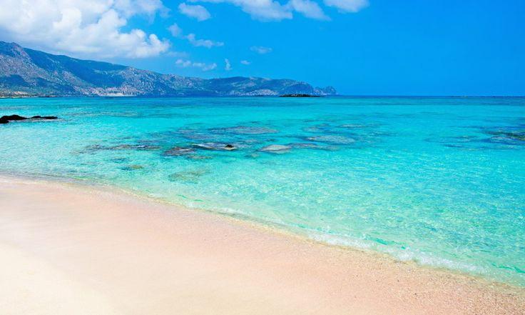 Крит — это самый крупный греческий остров, на который всегда хочется вернуться. От пляжей в гористой местности до гладких песчаных берегов Крит имеет разнообразие мест, где можно хорошо отдохнуть. Ниже приведен список 10 лучших пляжей острова Крит: 1. Пляж Элафониси Бирюзовая вода, красиво контрастирующая с розоватым песком, делает этот пляж на юго-западной оконечности острова достойным […]
