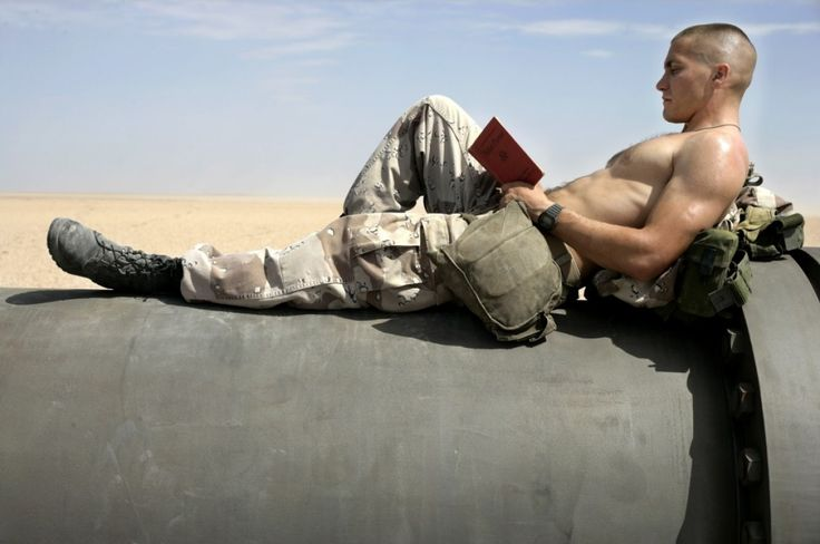 This is Jake Gyllenhaal from the movie called jarheads