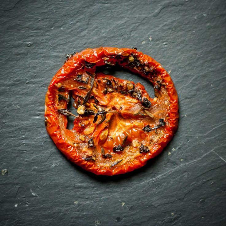 Tomates roma séchées au thym