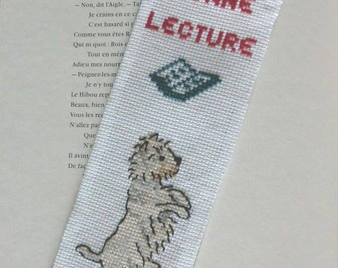 Marque-page - Modèle Unique - Chien Westie - En tissu coton - Brodé à la main - 7cm X 19cm - 100% Fait Main - Idée cadeau