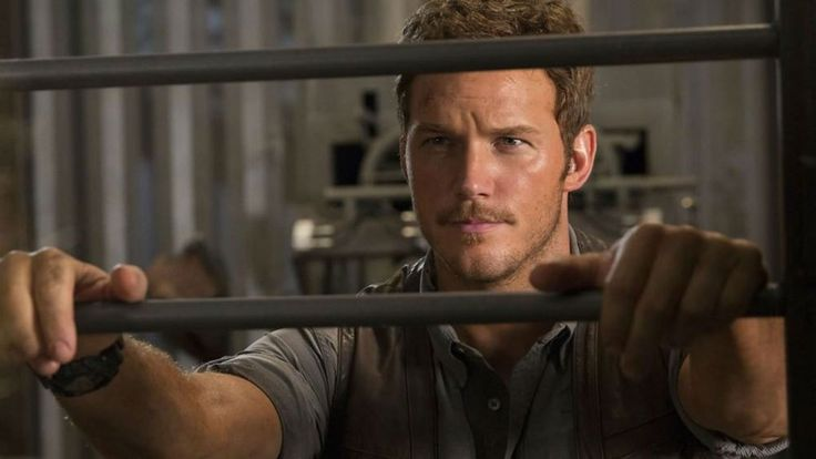 New Look at Chris Pratt in 'Jurassic World'