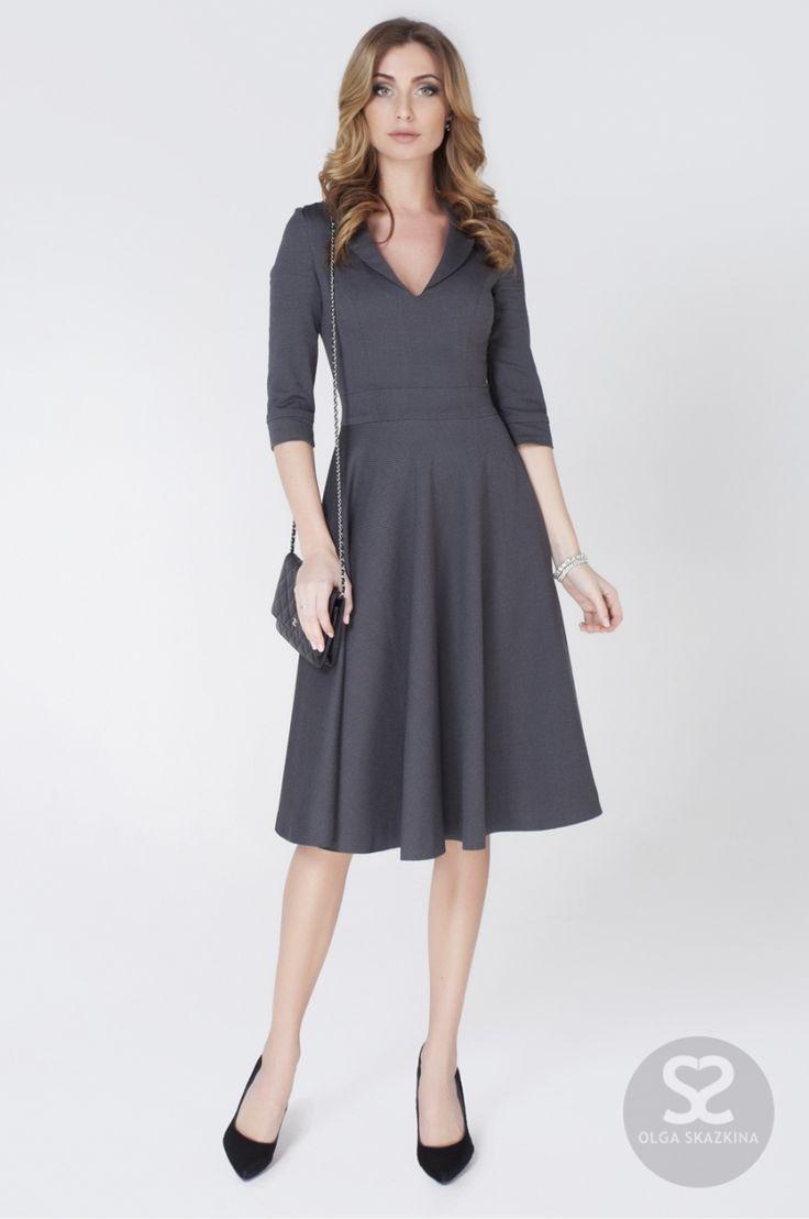 Платье из тонкой шерсти с глубоким вырезом горловины   Skazkina