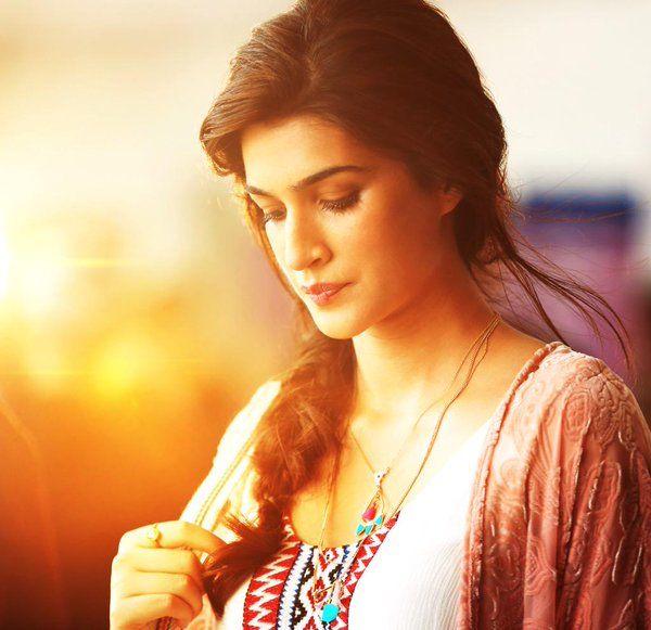 Kriti Sanon, designer kurtis women ,  girls kurta@ http://ladyindia.com