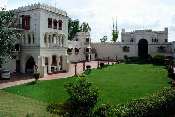 Get Budget & Exclusive #Hotel Accommodations In Chandigarh