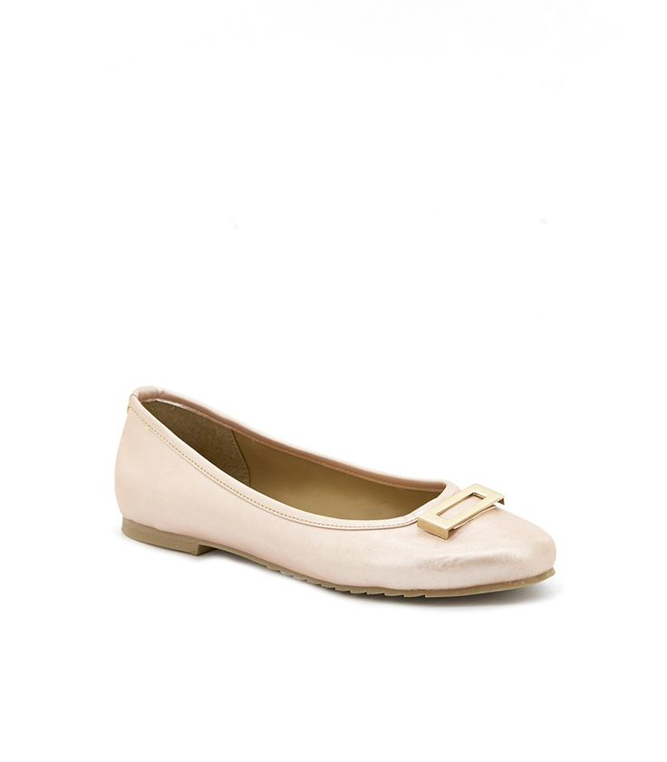 Wow! Look at this fabulous product! I've found at SophieParis.  http://www.sophieparis.com/id/index.php/women/shoes-sandals/julienne-balerina.html?color=438 #SophieParis