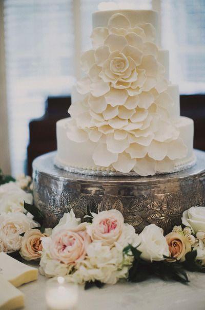 Beautiful wedding cake: Classic Nashville Wedding