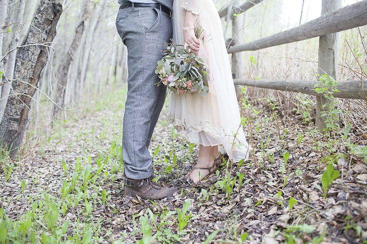 Elegant Woodland Bohemian Wedding » Hobbs Photography > Stony Plain Natural Light Photographer