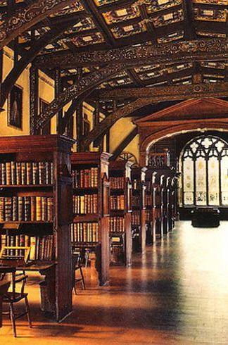 Hogwarts' Library (Duke Humphrey's Library, Oxford University).