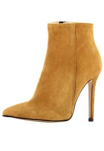 #Evita #Shoes #Damen #Stiefelette #braun Neidische Blicke garantiert: Hochwertiges Leder und eine sexy Silhouette machen die Stiefelette vom jungen Italien-Label EVITA zum perfekten Begleiter für alle Gelegenheiten. EVITA - Leidenschaft für italienische Schuhe