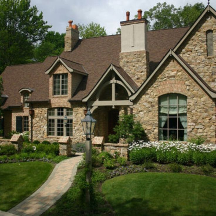 French Country Style Home Exterior: Best 25+ Brown Brick Exterior Ideas On Pinterest