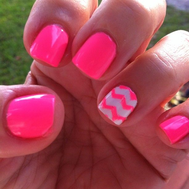 Neon Pink Nail Polish With Accent Nail! Perfect For Spring Break