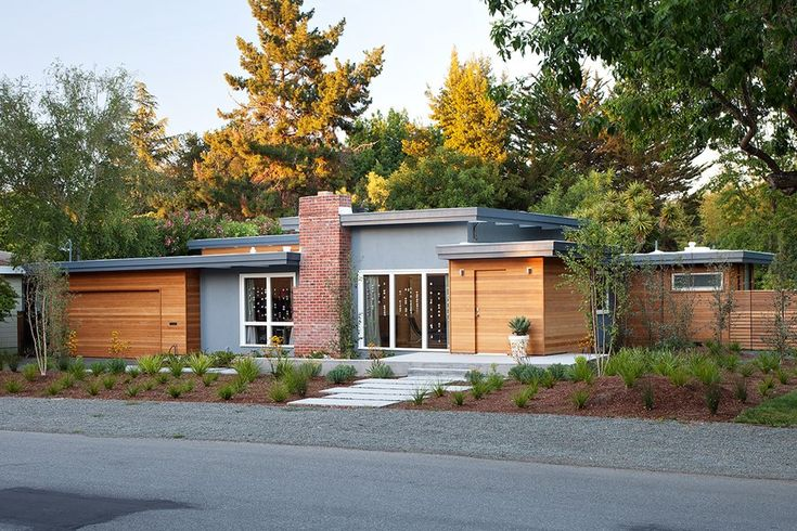 Early Eichler Expansion by Klopf Architecture - Palo Alto, California, USA.
