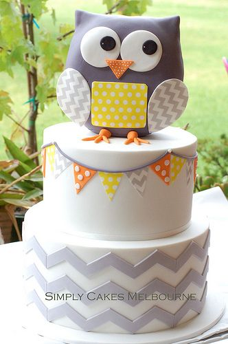 Baby shower cake: Owl + Gray Chevron. Would be super cute in Yellow and Gray Chevron.