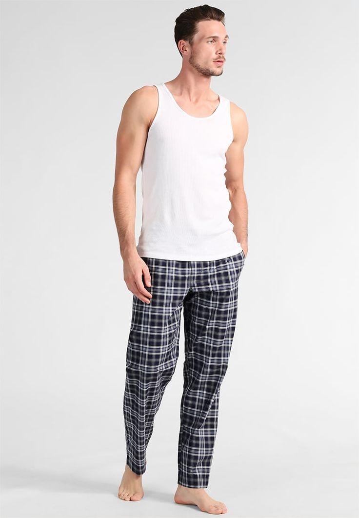 ¡Consigue este tipo de pantalón de pijama de Jockey ahora! Haz clic para ver los detalles. Envíos gratis a toda España. Jockey Pantalón de pijama maritime blue: Jockey Pantalón de pijama maritime blue Ropa     Material exterior: 100% algodón   Ropa ¡Haz tu pedido   y disfruta de gastos de enví-o gratuitos! (pantalón de pijama, pajamas, pijama, sleepwear, pyjama, short pyjama, loungepants, pijama hombre, pantalón de pijama, pyjamahose, parte de abajo de pijama, pantalon de pyjama, p...