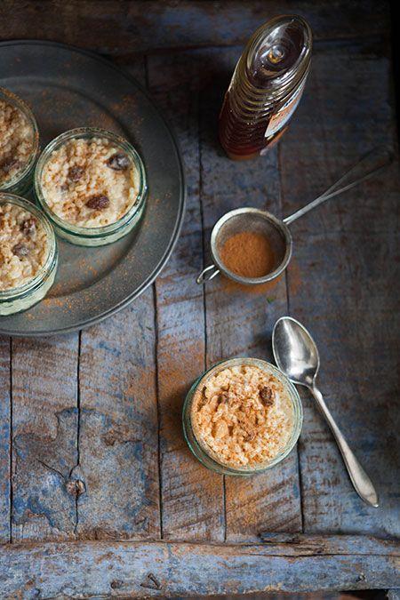 Arroz con leche miel de tomillo y pasas (rijstebrij met tijm honing en rozijnen)
