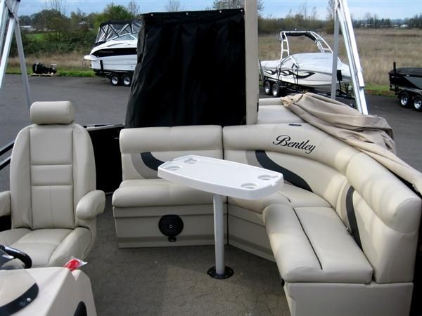 Pontoon Boat Rentals - Party Barge Rentals