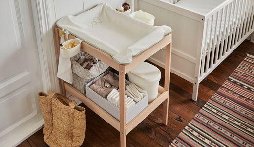 SNIGLAR Table à langer, hêtre, blanc | Table à langer, Rangement table à langer, Aménagement ...