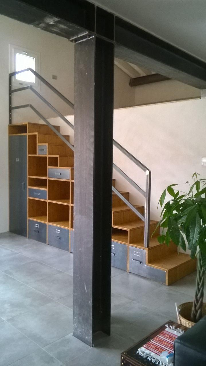 mobile scala in abete vecchio con cassetti e cassettoni in ferro naturale