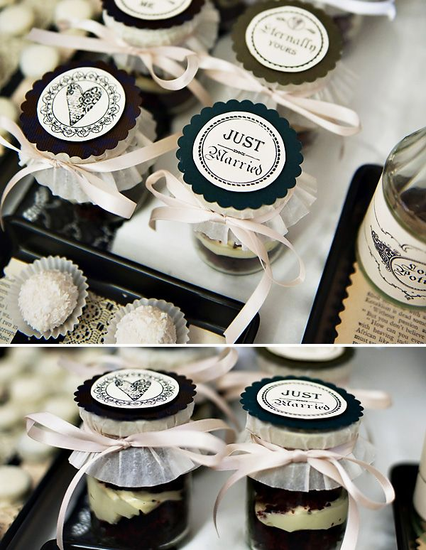 LOVE the way these jars are packaged - you could do any color, any filler, etc.