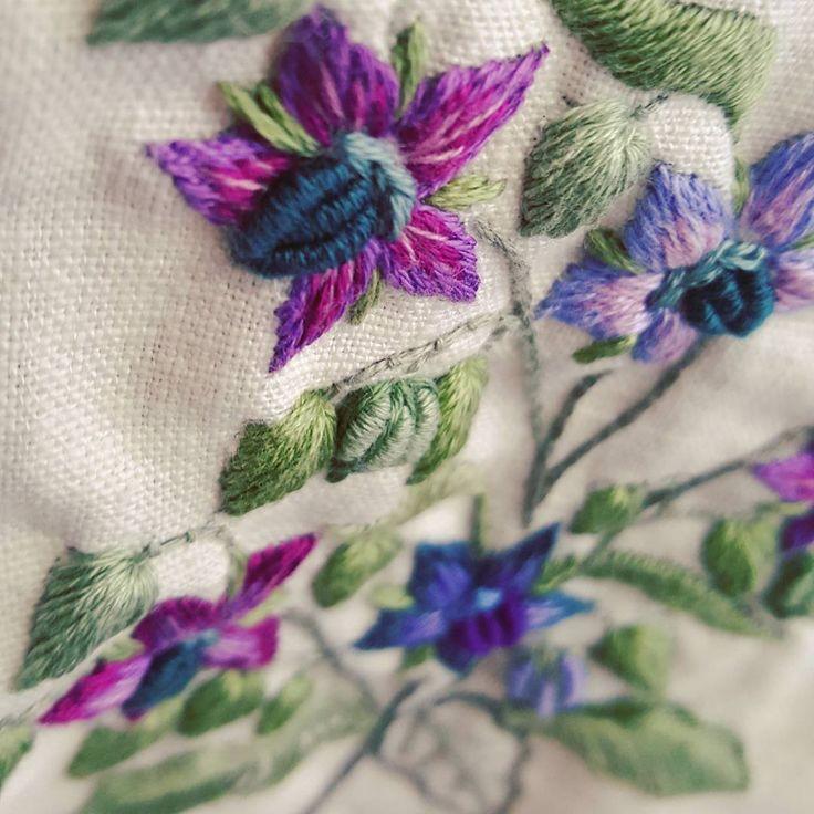 허브가 좋다! #보리지  #프랑스자수 #야생화자수 #생활자수 #들꽃 #허브 #취미 #자수타그램 #인스타그램 #cozycoco #stitch #embroideryartist #embroidery #needlework #handmade #handcraft