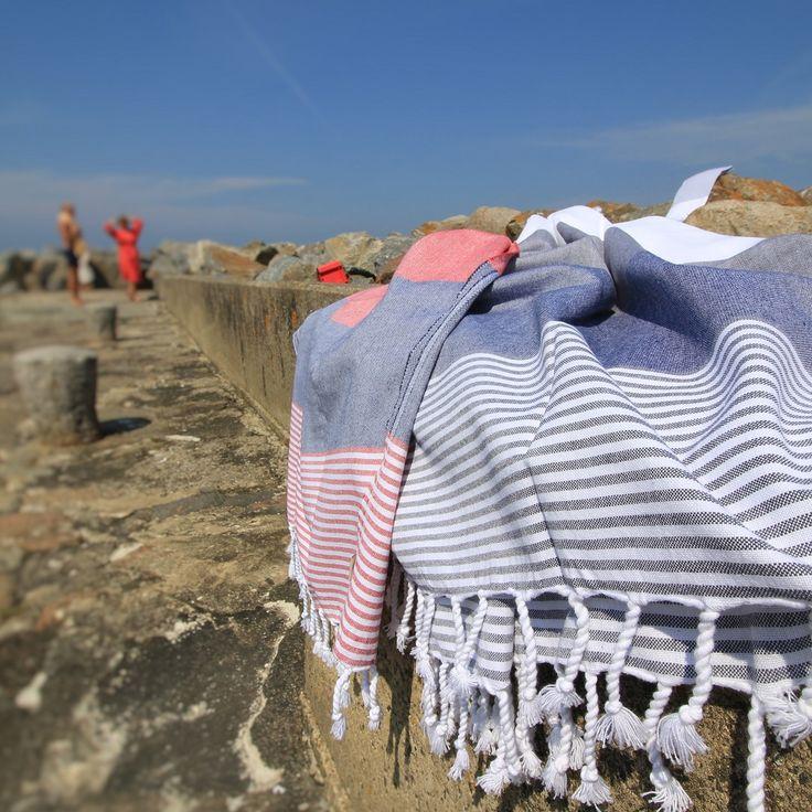 Antalya badehåndklæde - rød/mørk blå og mørk blå/grå