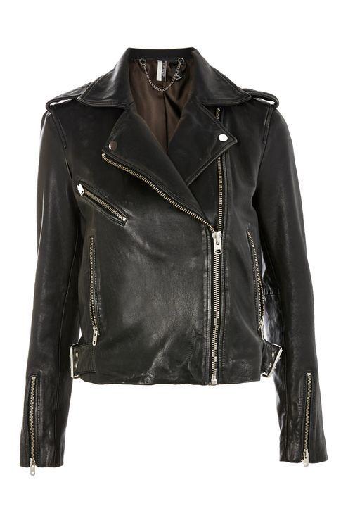 черная кожаная куртка (Biker Jacket) всегда выглядит ультрасовременно