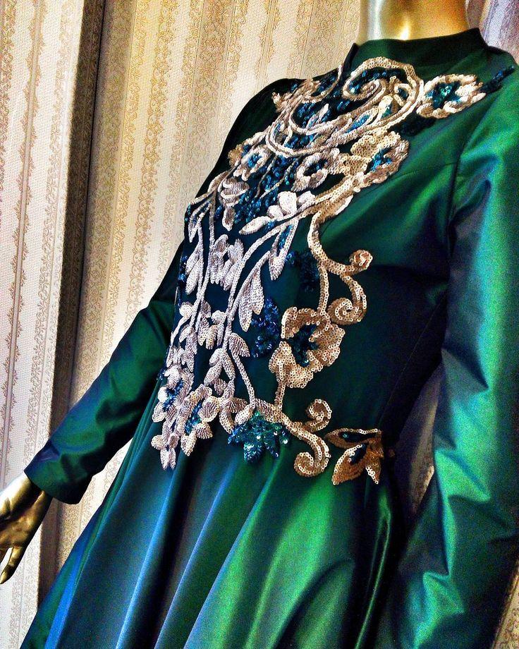 Zümrüt yeşili hoş ince işmesiyle tesettür Abiye nişanlık ���� @meyrabutik28 �� Direkt ulaşabilirsiniz �� WhatsApp 0545 877 2828 ��  #meyrabutik28 #kapalıabiye #açıkabiye #giresun #ordu #trabzon #samsun #büyükbedenabiye #abiye #çanta #bayangiyim #moda #kombin #düğün #nişan #kına #söz #elbise #giyim #giresunüniversitesi http://turkrazzi.com/ipost/1520986278303375574/?code=BUboPYqhCDW