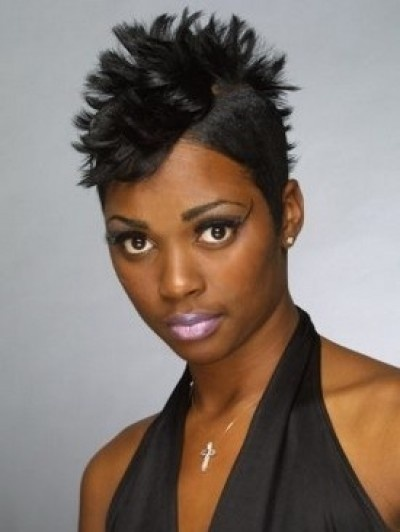 Spiky mohawk hairstyle for African American women