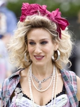 80's styles..why can SJP pull everything off!
