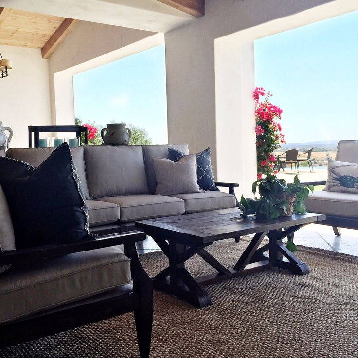 Custom Outdoor Living Spaces: 48 Best Residential Interior