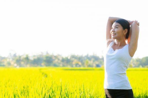 女性の健康イメージ 緑の背景 2020 女性の健康 緑の背景 健康