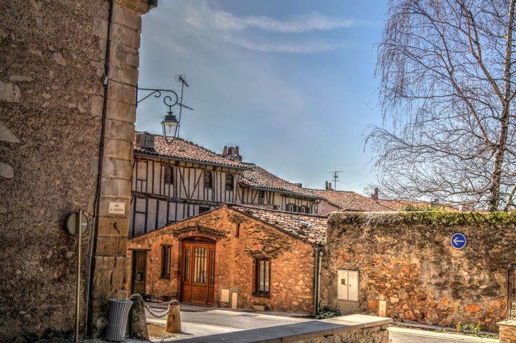 www.auxsourcesducanaldumidi.com Village de Sorèze #auxsourcesducanaldumidi #soreze #tarn  #village © Patrick Toulouse Photographie