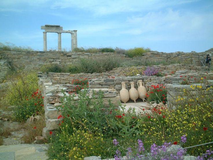 ユーラシア旅行社のギリシャのツアーで訪れる世界遺産渡島デロス島