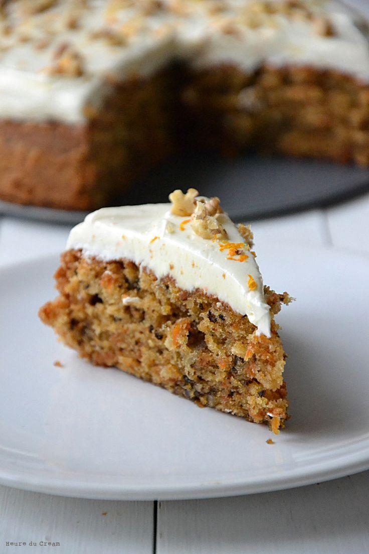 Le carrot cake, ou l'éternel débat. Chacun croit détenir LA meilleure recette, la recette parfaite. J'ai toujours trouvé les affirmations de ce genre un tantinet prétentieuses. Ça vaut d'ailleurs pour