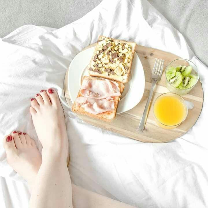 Marilyn Monroe, desayuno en la cama blanco y negro Vintage