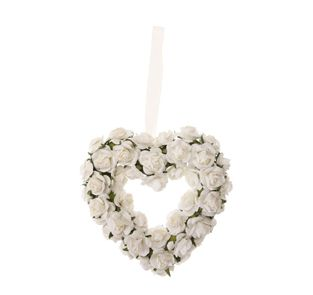 Cream rose heart wreath