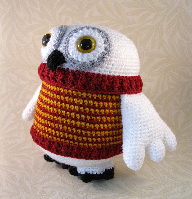 Flappy Owl by Lucyravenscar (Angry Angel), via Flickr